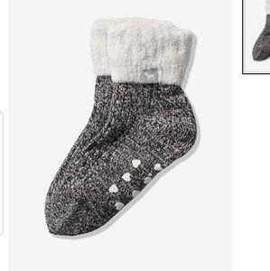 VS pink cozy crew fur lined socks Gray